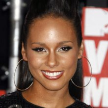Alicia-Keys-hoops