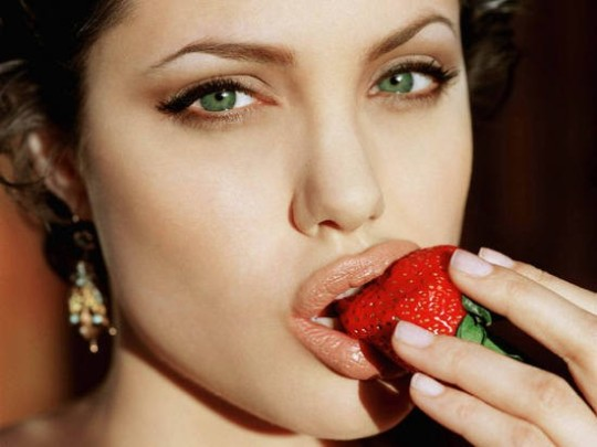 Angelina-Jolie-Lips