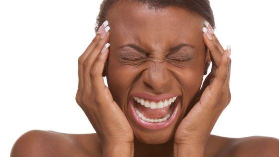 black-woman-migraine