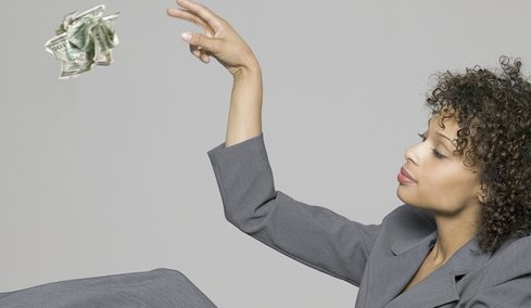 women-wasting-money-on-business