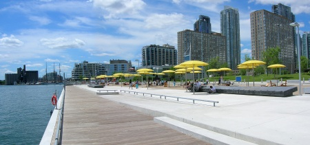 Hto_Park_and_Urban_Beach_Skyline