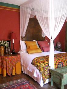 red-and-orange-bedroom