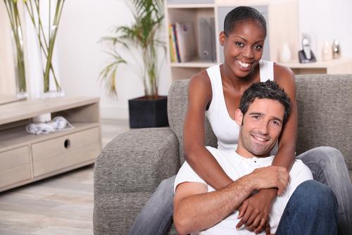 black-woman-with-white-man-pf