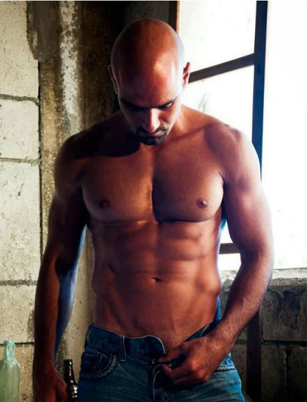 Ely-Zeer-Shirtless-by-Jean-Saad-4
