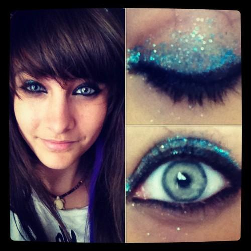 paris_jackson_make_up_blue_eye