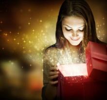 Christmas-gift-opening