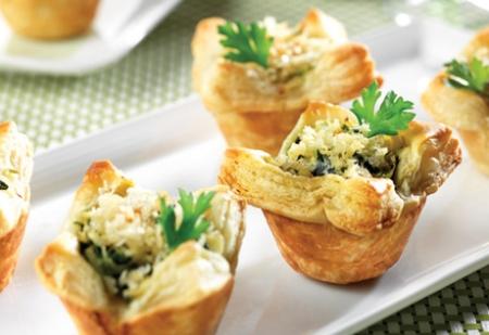 spinach,-crab-artichoke-mini-tarts